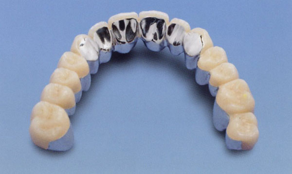 plastikovye-zubnye-protezy