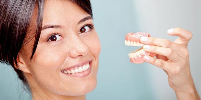 ehtapy-izgotovleniya-metalloplastmassovoj-koronki-na-zub